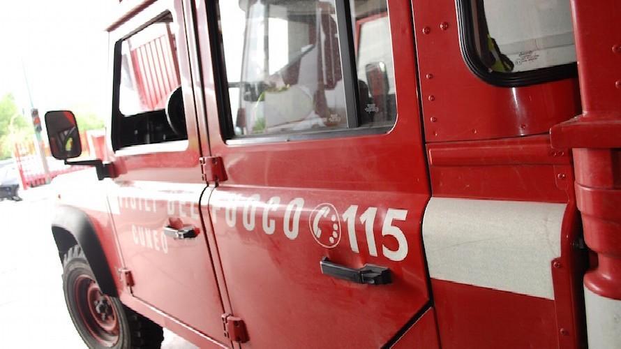 Ufficio In Fiamme : Busca fiamme in un ufficio di via risorgimento: pompieri al lavoro
